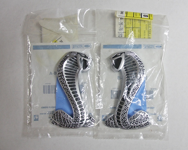2007 Ford Mustang Shelby GT500 fender emblems
