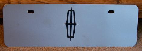 Lincoln emblem black s/s plate half high