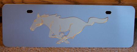 Mustang running horse gold s/s plate half high